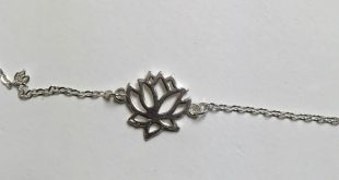 925 Sterling Silver Lotus Flower Necklace This piece has beautiful shine. All co...