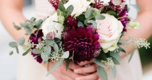 Rosa und Burgunder-Brautjungfernblumenstrauß. Herbst Hochzeitsstrauß. Event De...