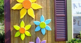 Wood Flowers, Outdoor Garden Decor, Wood Decoration for Porch, Patio or Barn, Colorful Wall Art, Outdoor Flower Wreath